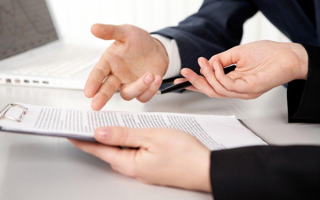El contrato de arras y las cláusulas penales por incumplimiento de contrato.