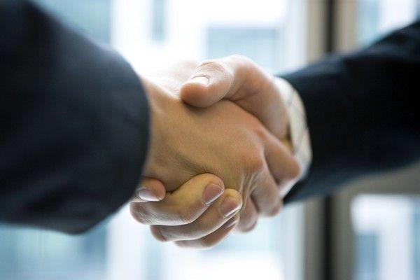 firmar un pacto de socios